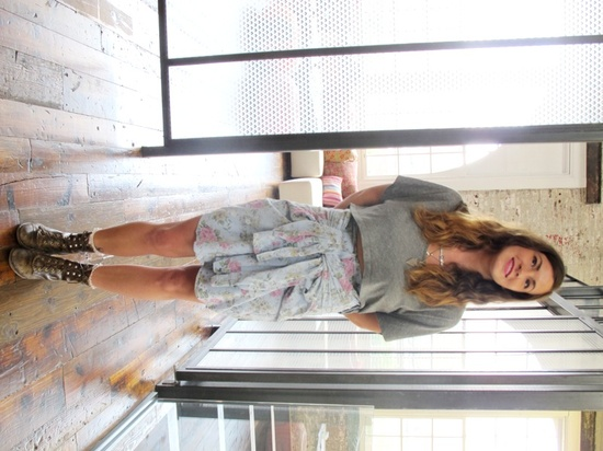 old shirt into skirt for a grunge look = doing IT!