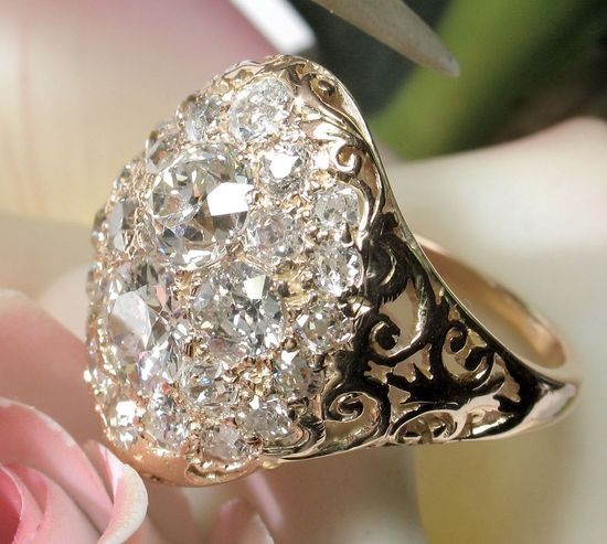 So, so pretty, love this dress ring. Antique Victorian 3.20ct Diamond Ring