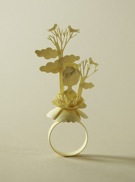Paper ring by Elsa Mora #paper #ring #elsa mora