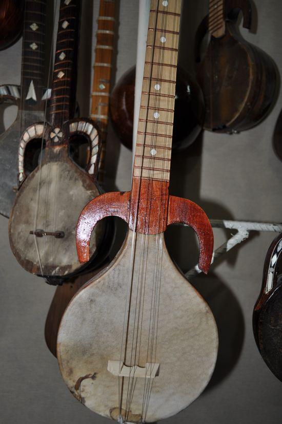 GlobeIn: #Handmade #Musical Instruments from Around the World  #Rubab: #Uzbek National Instrument