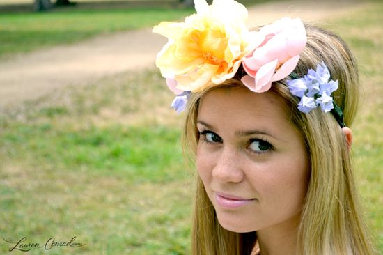 love the look of a festival flower crown {click for the tutorial}