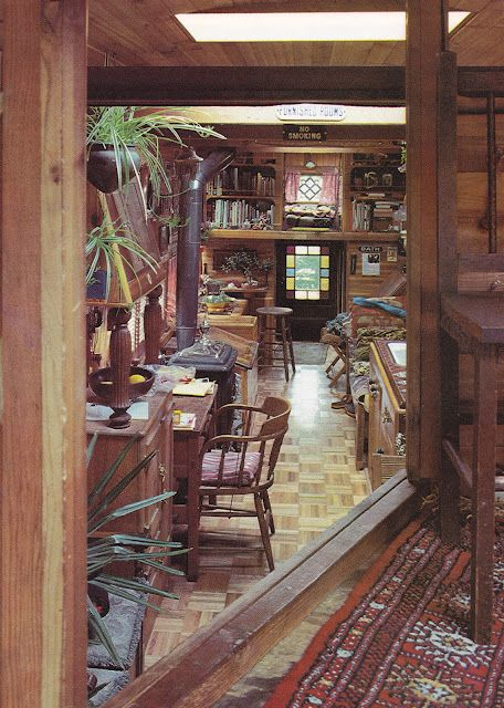 1979! I love minimalism in theory, but I am all about the pretty in practice. This is exactly what my perfect tiny space would look like. Rolling Homes: Handmade Houses on Wheels by Jane Lidz  Published 1979 by A & W Publishers, Inc.