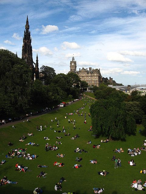 Princes Street    Edinburgh, Scotland