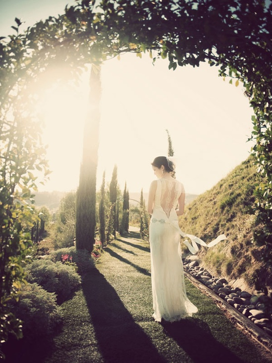 The blog of Claire Pettibone, my favorite wedding and elegant clothing designer.