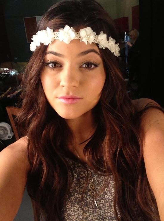 Hair accessories on the always gorgeous Kylie Jenner