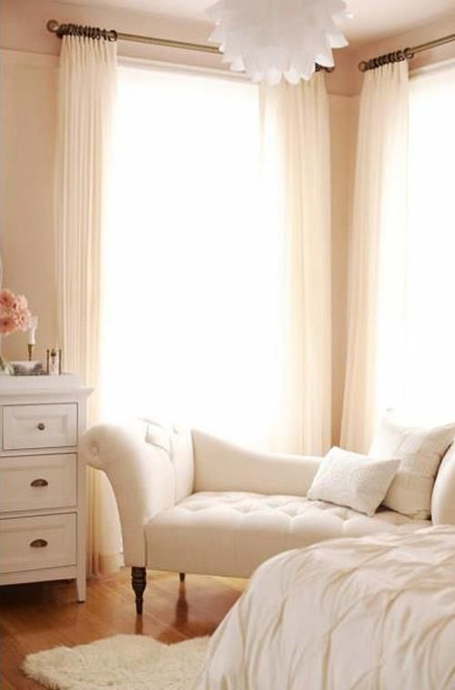 interior decor.. perfect for a guest room. Love the white, would add hints of lilac and lavender.