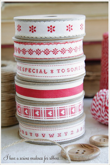 Red + white ribbons for #Christmas #gift #wrapping