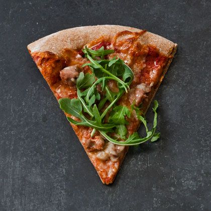 Spicy Turkey Sausage Pizza (The Power-Up Pie) by health.com: 7 minute prep; 10 minute cook; 169 calories/serving #Pizza #Turkey_Sausage #healthy