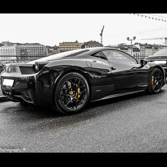Fierce Ferrari 458 italian stallion!