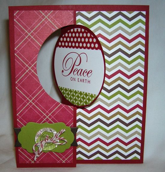 Christmas card using the new Circle Card Thinlits die from Stampin' Up! www.sandrascrafts...