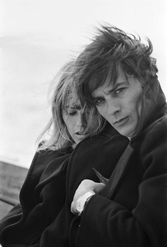 Nathalie y Alain Delon