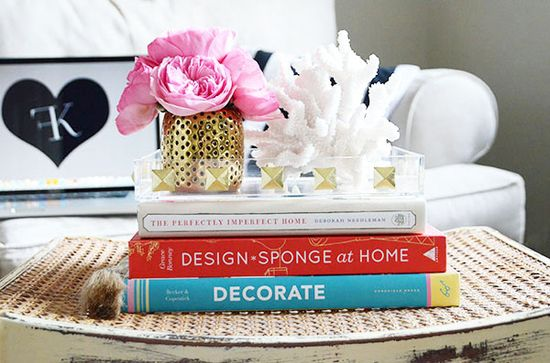 A touch of Luxe: It's all in the details - Decorating with books...