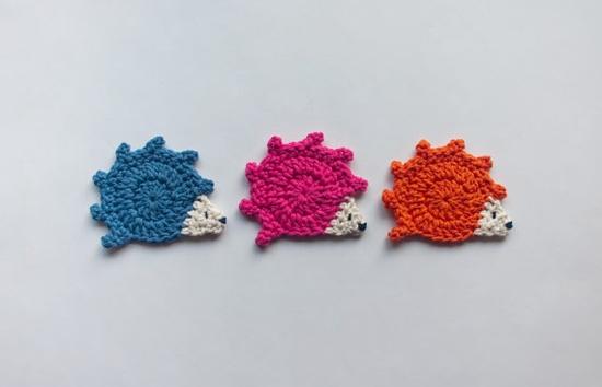 crocheted hedgehogs ~ pattern