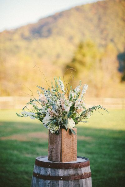 Photography by Caroline Ghetes Photography / carolineghetes.com, Floral Design by blueridgeflowers....