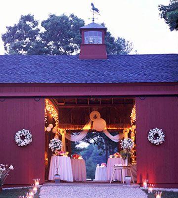 We're loving this charming wedding venue!