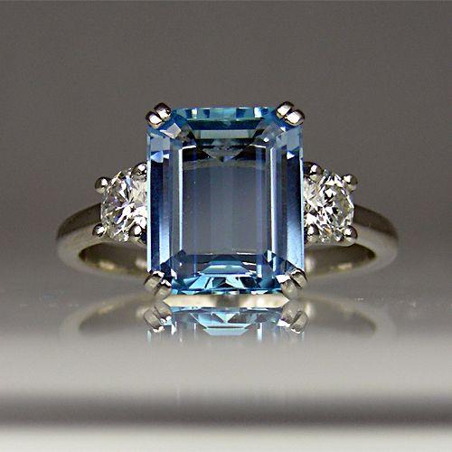 Emerald cut aquamarine (2.49 carats) and diamond ring