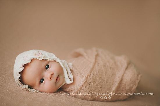 Awake Newborn. Ruby 10 days.