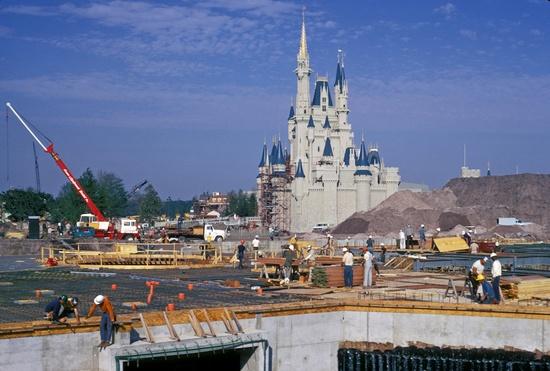 Building Cinderella Castle   Picture Posted by Marcio Disney