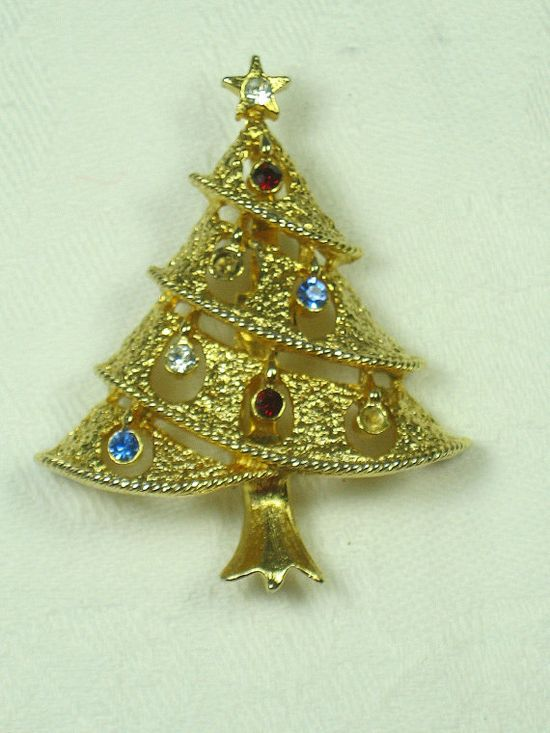 Vintage Christmas Pin Gold Tree with  Rhinestone Ornaments!   by LavenderGardenCottag