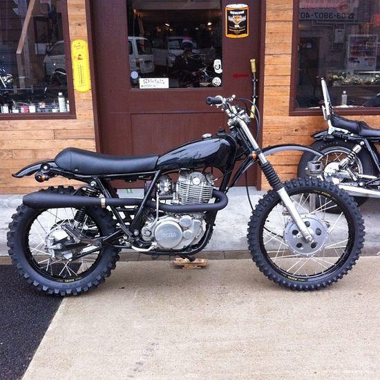 Bratstyle SR  #vintage #motorbike #menswear #style   #cafe #racer   www.eff-style.com