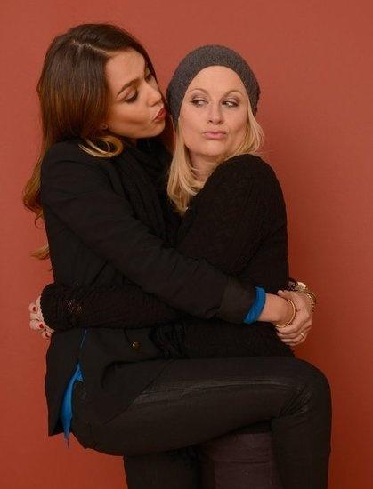 Jessica Alba and Amy Poehler Buddy Up at #Sundance ?