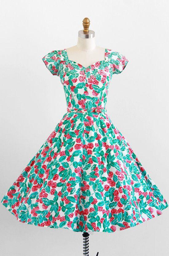 vintage 1950s berry print party dress