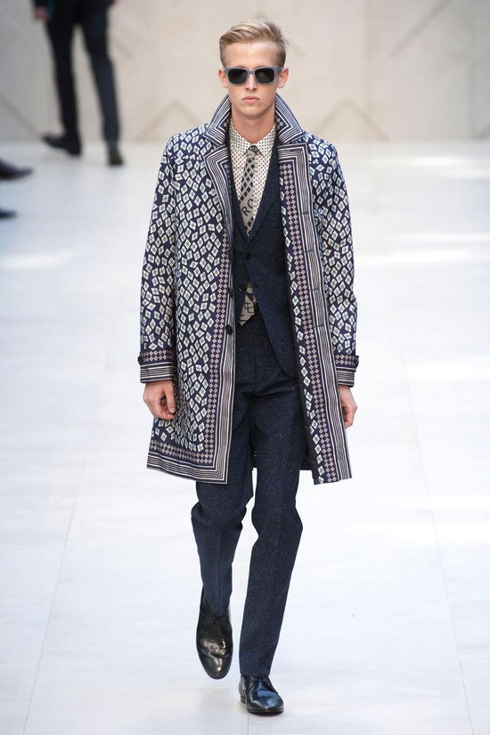 I like how: the print is unexpected, but still very refined. (Burberry Prorsum Spring 2013 Menswear)