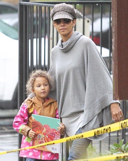Tras la pelea y su posterior guerra en los tribunales, Halle Berry y Gabriel Aubry llegan a 'un acuerdo amistoso' por su hija #actrices #famosas #people #celebrities