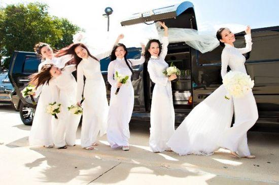 bridesmaids in ao dai