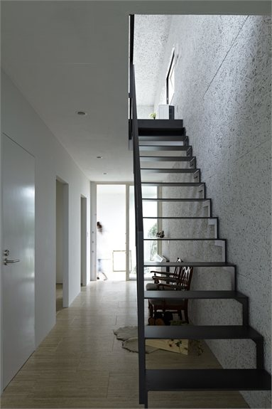 "NDA - ""PLANTER""  single family house - #Yokohama, Japan - 2012 - no.555 Architectural Design Office #architecture #japan #house #stair"