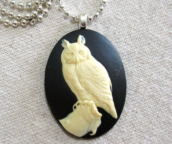 OWL CAMEO NECKLACE - Barn owl - spooky owl jewelry necklace. $8.99, via Etsy.