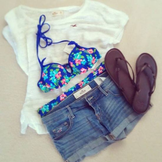 hollister summer outfit I love that bikini i wanted it
