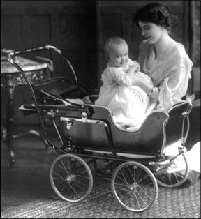 1913 baby carriage