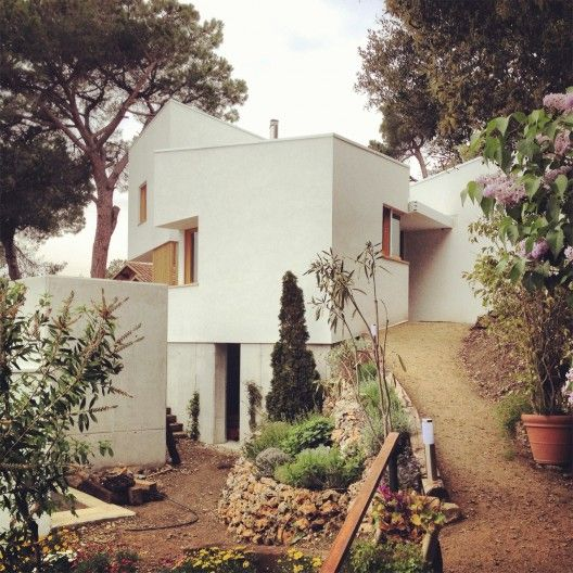 La Floresta House / Alventosa Morell Arquitectes