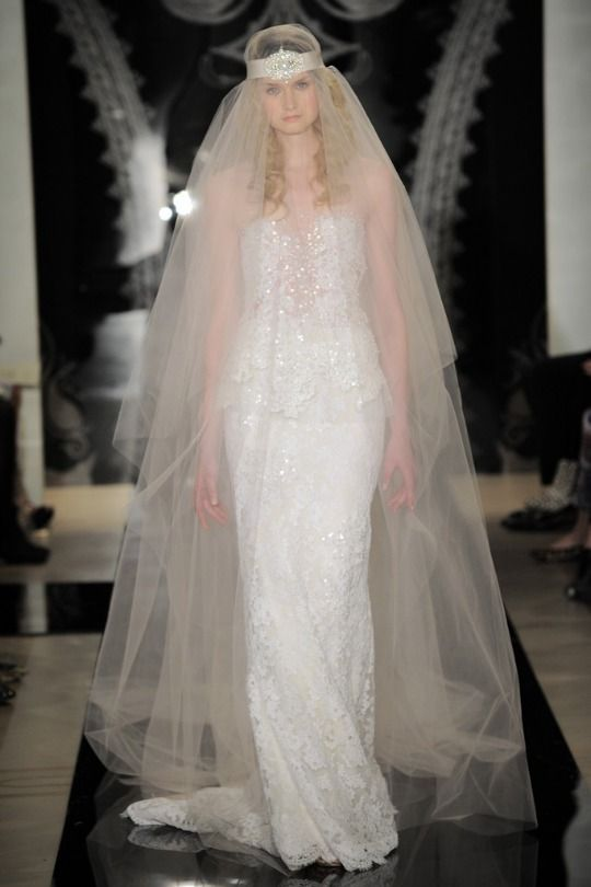 Buzzworthy Bridal Trends: Statement Veils at Reem Acra | BridalBuzz