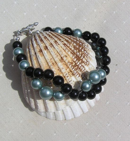 Black Onyx & Green Shell Pearl Crystal Gemstone by SunnyCrystals, £10.75 #jewelry #jewellery #bracelet #green #shell #sunnycrystals #black #onyx #summer #wave