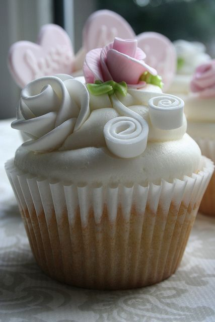 Cupcakes Flower #CupCakes #Flower #Baking.
