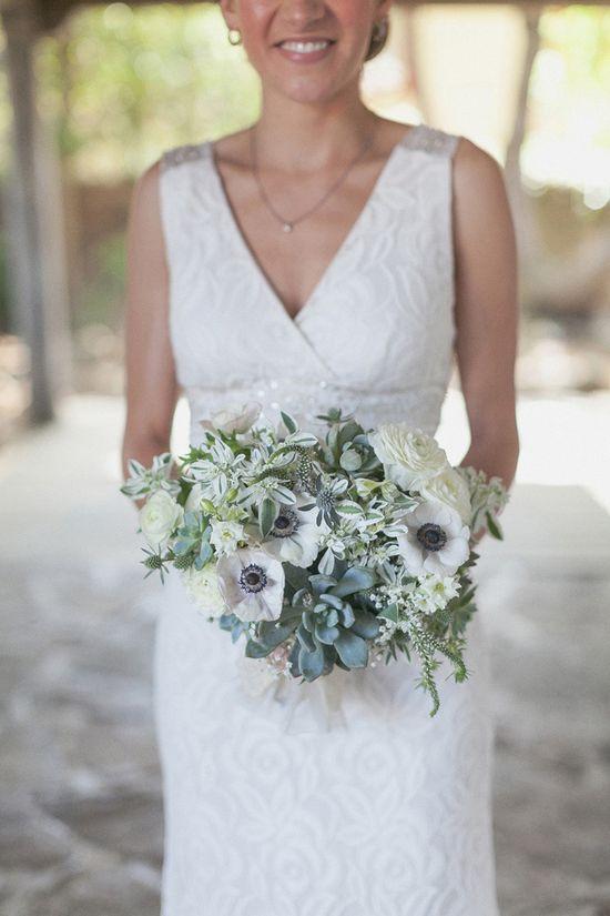 white and green wedding bouquet www.weddingchicks...