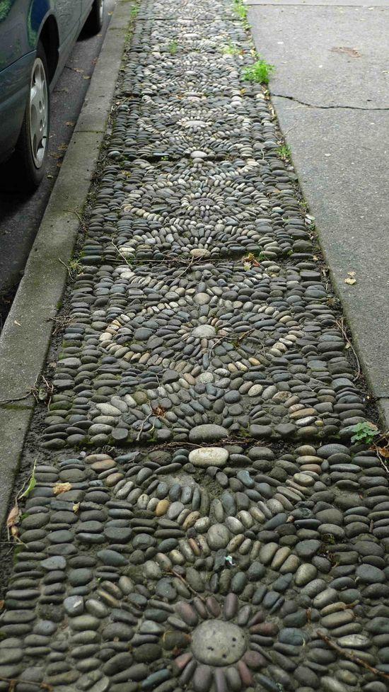 pebble edge treatment