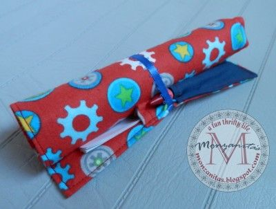 Handmade Gift Idea: Crayon Roll with Paper Pocket