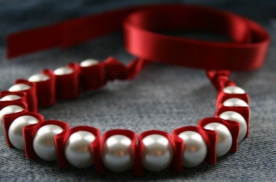 Ribbon and pearls bracelet-pretty