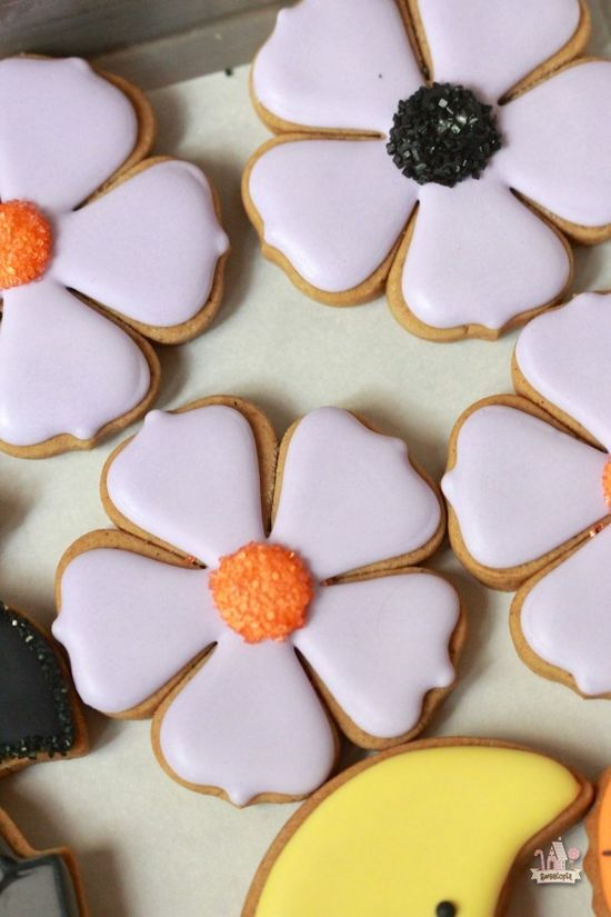 Simple Flower Decorated Cookies for Halloween