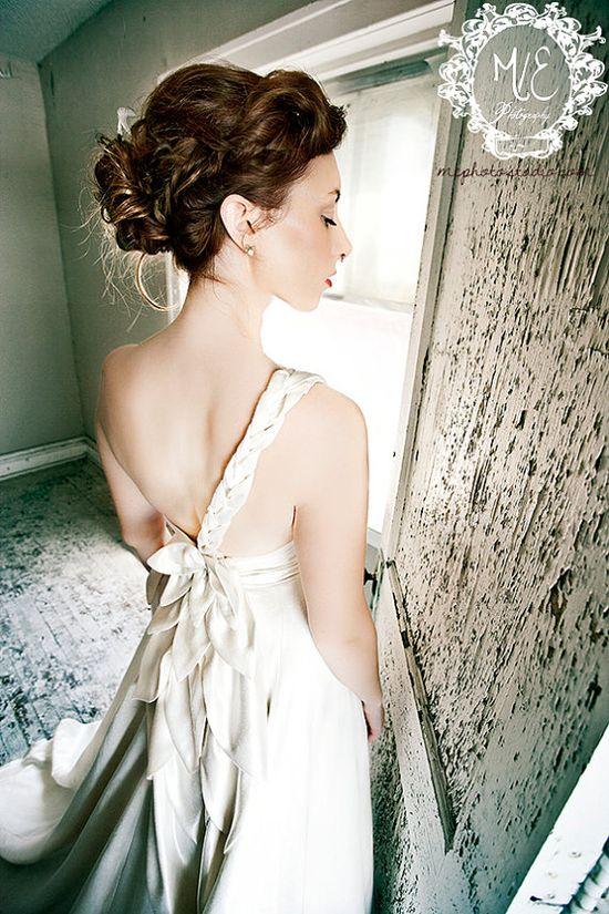 Top 10 best etsy wedding dress shops.