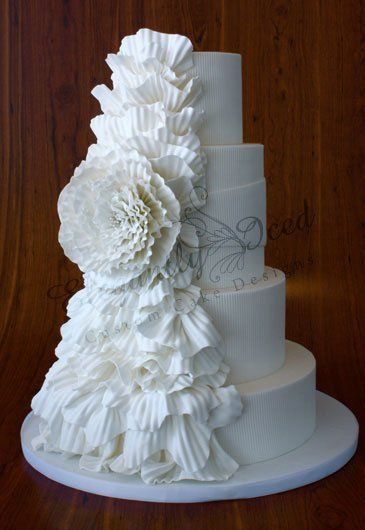 Beautiful white #wedding cake