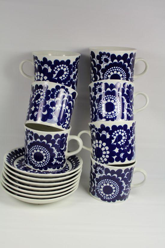 60's ARABIA Wartsila 100 FINLAND Cobalt 7 Cups & 7 Saucers
