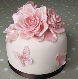 Roses & butterflies wedding cake