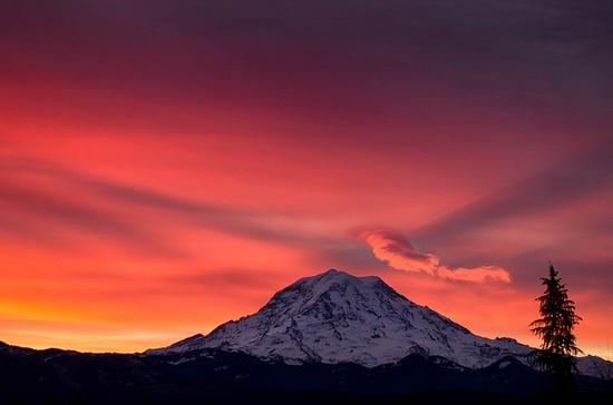 Sunrise over Mount Rainier