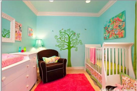 Love all this different colors together. I want to do my daughter's room similar to this