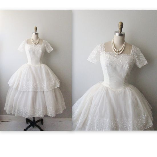 50s Wedding Dress // Vintage 1950s Embroidered Eyelet White Chiffon Wedding Dress Tea Gown XS    Oh my cute.