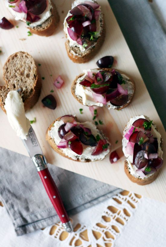 grape salsa (?!) and goat cheese crostinis